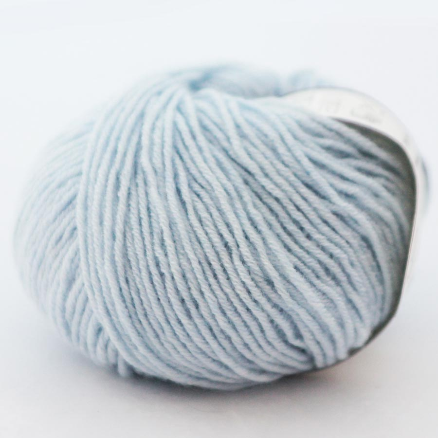 Di Lusso Sky pure cashmere sport weight yarn