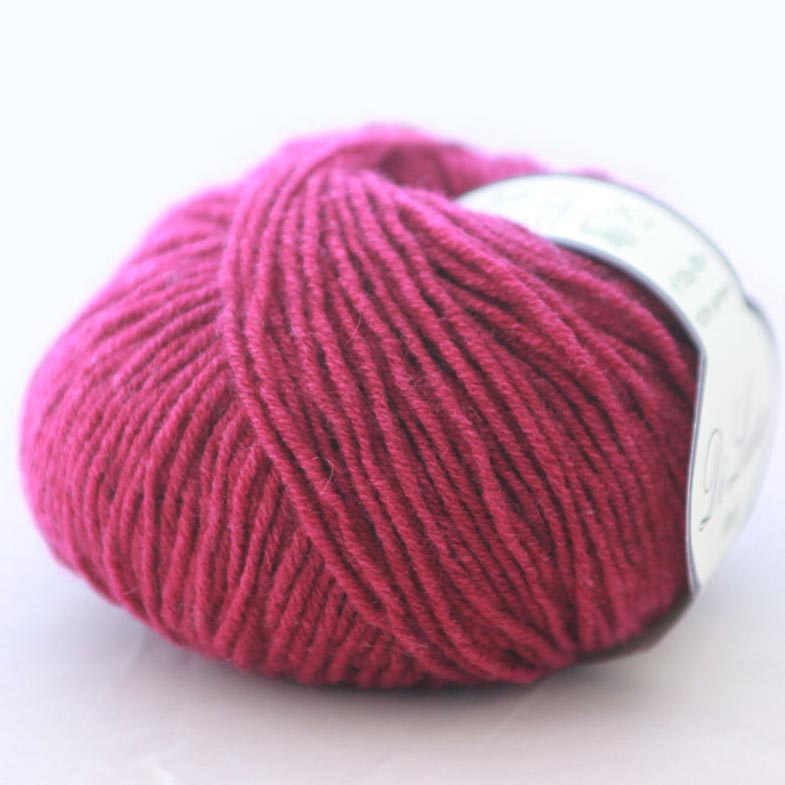 Di Lusso Raspberry pure cashmere sport weight yarn