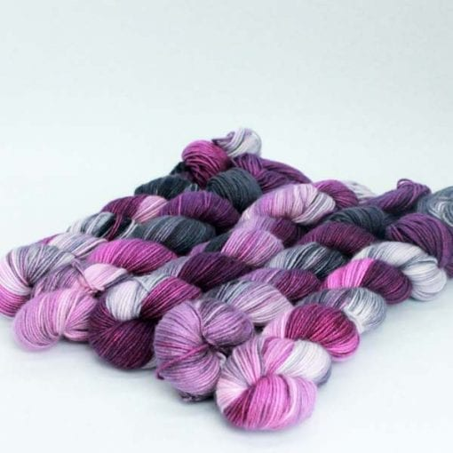 Leggero cashmere silk blended 4ply yarn Raspberry Licorice