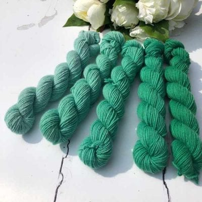 emerald_shfades di lusso cashmere in 5 shades of green